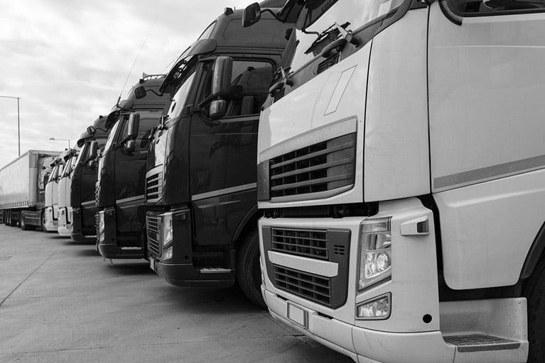 Choosing curtain-side truck hire